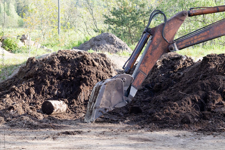 Trädgårdsanläggning - torv på väg